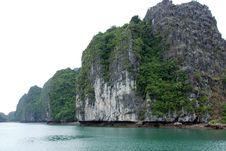 Scenic Ha Long Bay, Vietnam Royalty Free Stock Photos