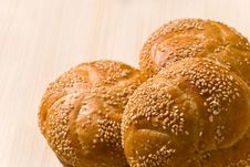 Free Sesame Buns On The Plate Stock Photography - 5879812