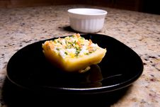Free Appetizer With Dip Royalty Free Stock Image - 5880526