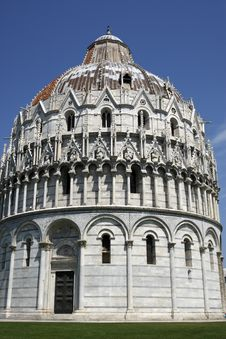 Free Exterior Of The Baptistry Campo Dei Miracoli Pisa Royalty Free Stock Photo - 5883375