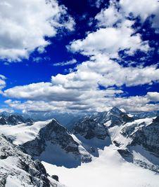 Free Landscape Of A Ski Resort In Switzerland Stock Images - 5884144