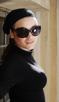 Free Beautiful Woman In Sunglasses And Kerchief Royalty Free Stock Image - 5885776