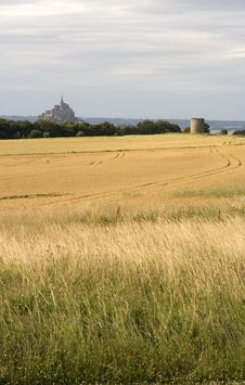 Free Le Mont St Michel Royalty Free Stock Images - 5885949