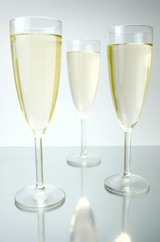 Free Sparkling Wine Royalty Free Stock Photos - 5889378