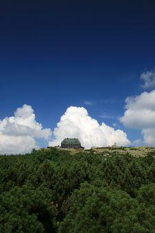 Free Hostel At Szrenica Royalty Free Stock Photos - 5890618