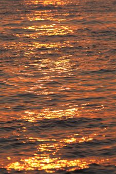 Free Sea Water Texture At Sunset Royalty Free Stock Images - 5891819