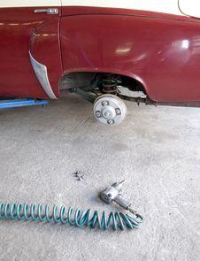 Free Old Car Repair Royalty Free Stock Photos - 5891848