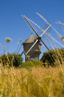 Free Windmill Royalty Free Stock Photography - 5897737