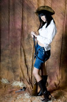 Free Farmer Girl With Shotgun Royalty Free Stock Images - 5898979