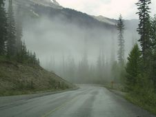 Free Mountain Fog Royalty Free Stock Images - 590819