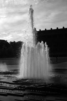 Free Fountain 3 Stock Images - 591504