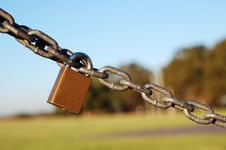 Free Lock And Chain Royalty Free Stock Image - 594906