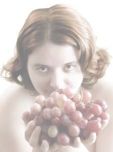 Free Bunch Of Grapes Royalty Free Stock Image - 595016
