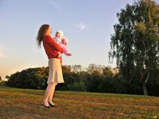 Free Mother With Baby Royalty Free Stock Image - 595306