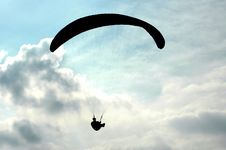 Free Paraglider Royalty Free Stock Photo - 595445