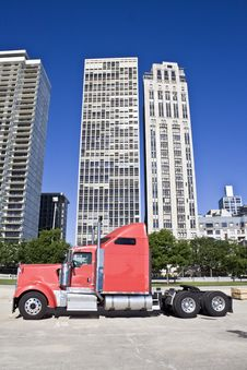 Free Truck Om Downtown Chicago Royalty Free Stock Photos - 5900408