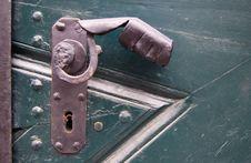 Free Old Rusty Door Handle Stock Photography - 5903132