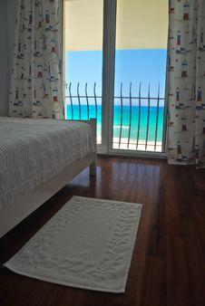 Free Luxury Hotel Room2 Royalty Free Stock Image - 5903906