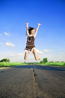 Free Jumping Happy Girl Royalty Free Stock Photography - 5911317