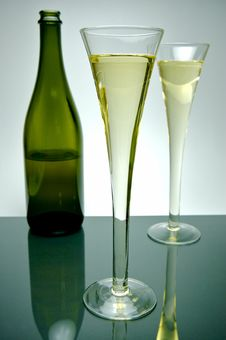 Free Sparkling Wine Royalty Free Stock Image - 5912036
