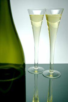 Free Sparkling Wine Royalty Free Stock Photos - 5912038