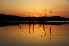 Free Lake Sunset Royalty Free Stock Photography - 5912467