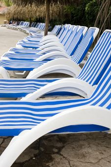 Free Blue And White Stripes Royalty Free Stock Photography - 5915507