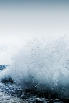 Free Big Ocean Wave Stock Photos - 5917983