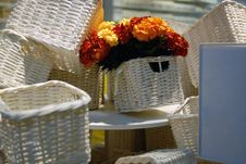 Free Basket And Flower Royalty Free Stock Photo - 5918975