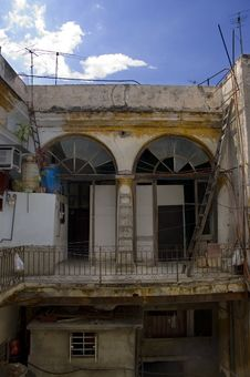 Free Eroded Cuban Building Stock Photography - 5919342