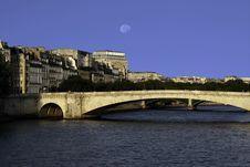 Free Paris Bridge Stock Image - 5921091