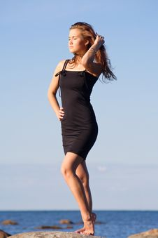 Free Young Lady In Black Dress Stock Images - 5924574