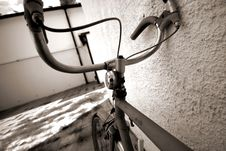 Free Old Bicycle Stock Photos - 5926433