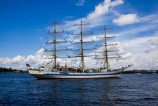 Free A White Frigate On Neva River Stock Images - 5928484