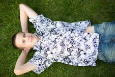 Free Relaxing Teen Royalty Free Stock Photo - 5928895