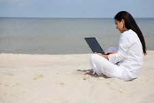 Free Woman With Laptop Stock Photo - 5929550