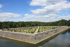 Free Chenonceau Castle S Garden Royalty Free Stock Photo - 5930255