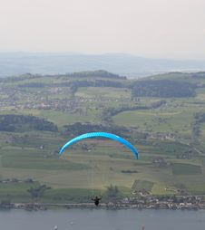 Free Paragliding Royalty Free Stock Images - 5937379