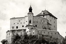 Free Castle Tarasp; Switzerland B/W Royalty Free Stock Image - 5937526