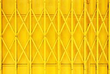 Free Yellow Grille Royalty Free Stock Photography - 5939597