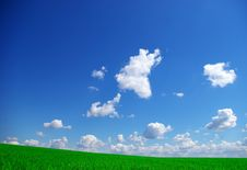 Free Cloudy Sky Royalty Free Stock Photo - 5939845