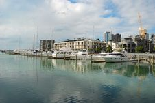Free Yachts At Auckland Harbor Royalty Free Stock Images - 5945109