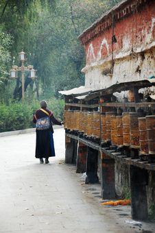 Free Nun Stock Image - 5946921