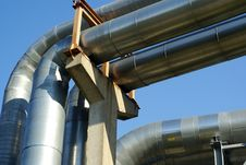 Free Industrial Pipelines And Electric Power Lines Royalty Free Stock Photo - 5948245