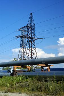 Industrial Pipelines And Electric Power Lines Royalty Free Stock Photography