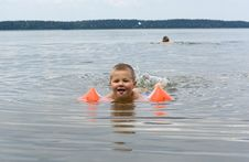 Free Small Swimmer Royalty Free Stock Photo - 5952295