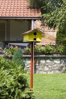 Free Bird House Royalty Free Stock Photo - 5953675