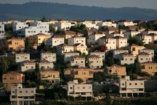 Free Houses On Hillside Stock Photography - 5956522