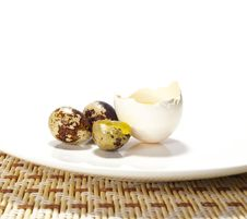 Free Eggs On A Plate Royalty Free Stock Images - 5956559