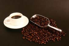Free Coffee,coffee Beans And Scoop Royalty Free Stock Images - 5957149